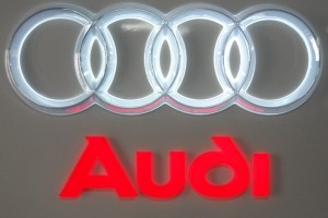 Nice Acrylic LED Light Car Logo Sign and Letters