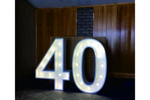China manufacturer giant light up letters for sale wedding marquee love letter led birthday sign