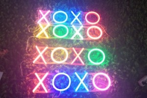 XOXO wedding decoration custom acrylic LED edge lit letter sign, 3D open LED neon sign letter