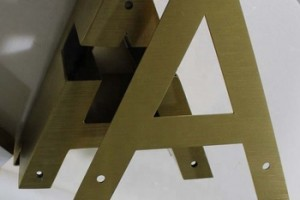 Hot style outdoor advertising 3d letters stainless steel decorative metal alphabet gold sign letters