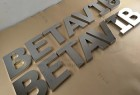 Hot Selling Outdoor Durable 3D Solid Metal Letters Sign Custom for Company Names