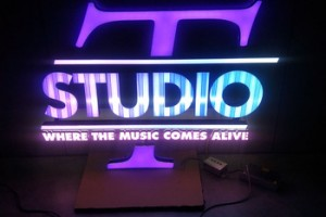 Factory Direct Sale Blue Purple Outdoor Customized Led Light Signs 3D Backlit Sign