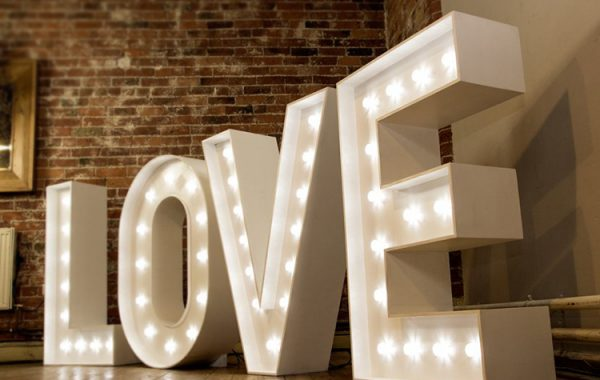 Letters-Wedding-Sign-Party-Supplies-Set-Event (4)